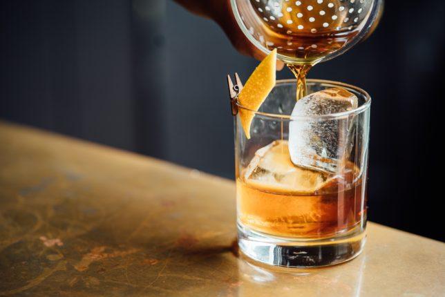 Szkolenia, alkohol i podatki